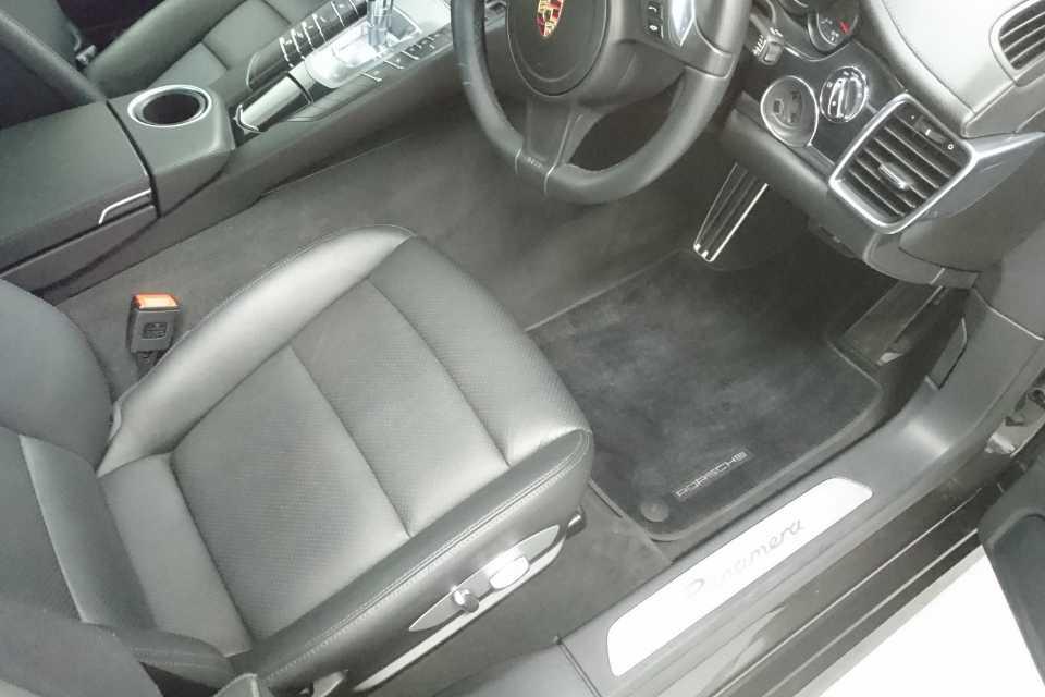 A spotless car interior